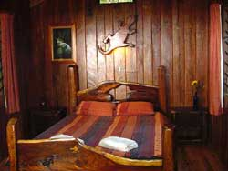 queensize blackbean bed in cabin